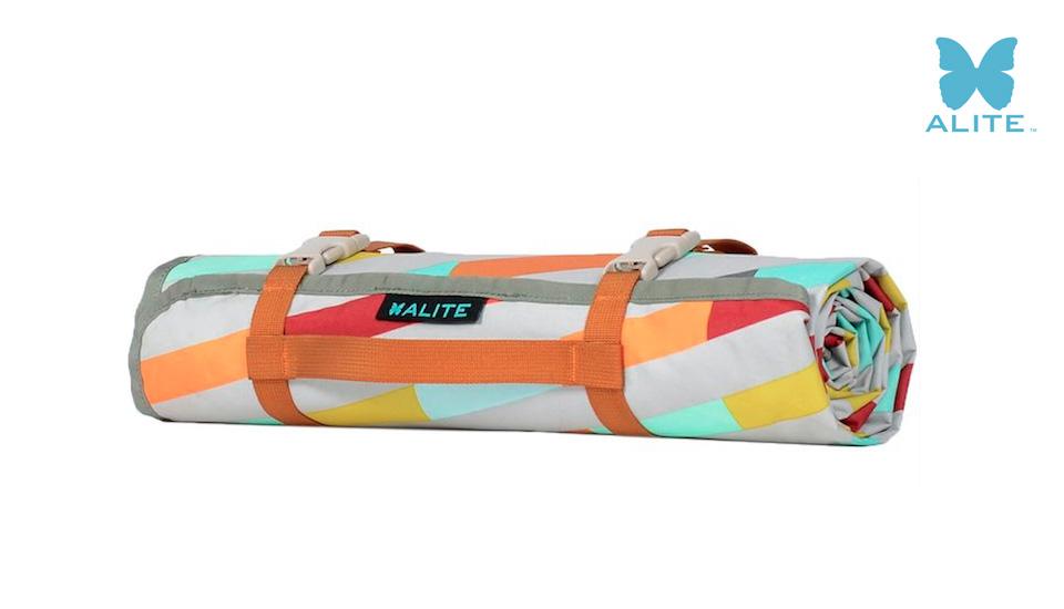 일반적인 돗자리가 성에 차지 않는다면 얼라이트 매도우매트 : ALITE 'Meadow Mat'